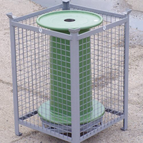 Pallet for conical reel