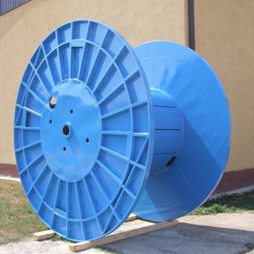 Blue large metal spool, 2600 mm flange
