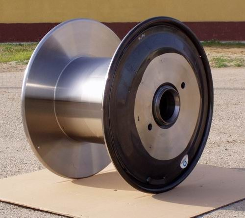 Double flange steel reel, fully machined surface