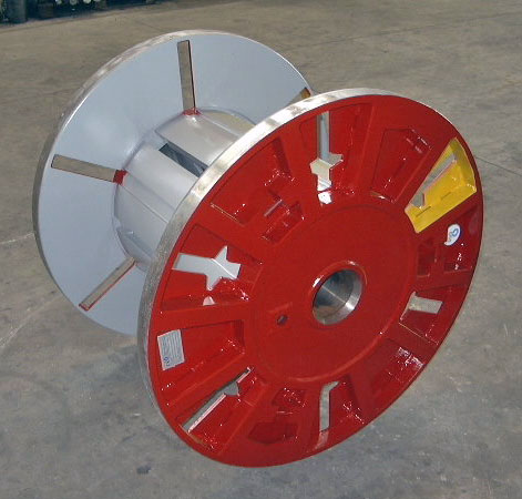 Hydraulic collapsible reel, special internal surface