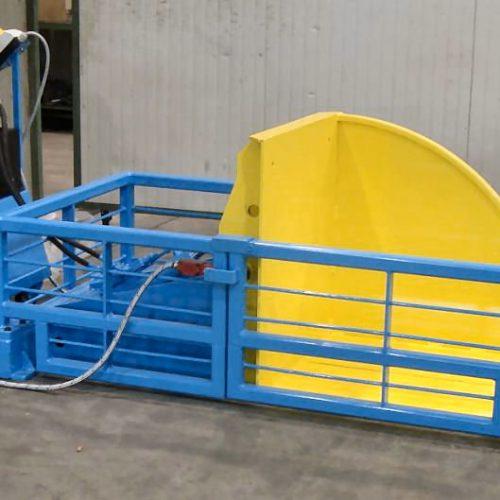 Hydraulic tilting unit