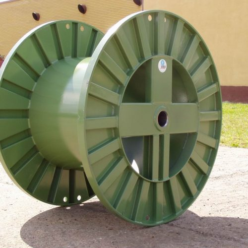 Large metal cable green reel