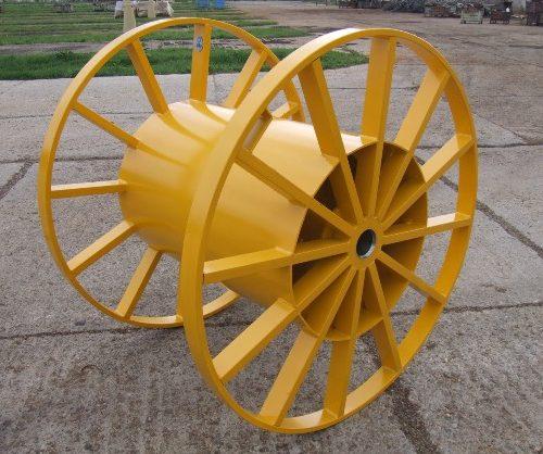Semi-tubular steel reel, yellow color