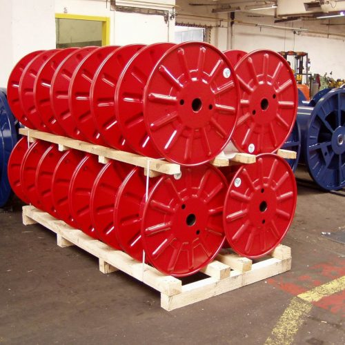 Packing of single wall steel reels, red colors