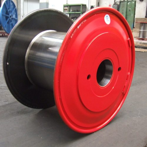 Steel reel with external plate machined