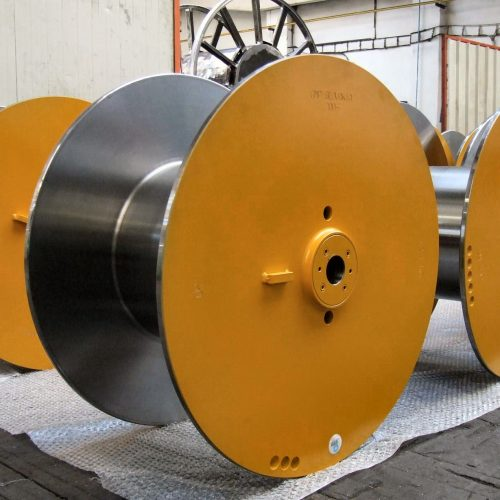 Yellow wire drawing reels with changeable bushings